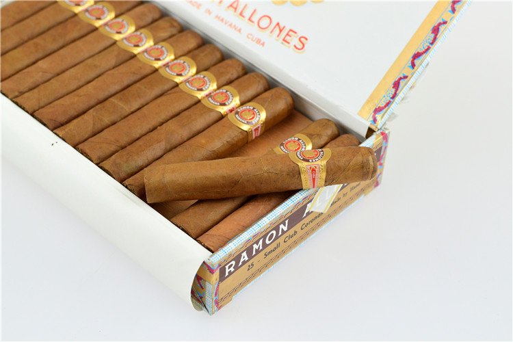 Ramon Allones Small Club